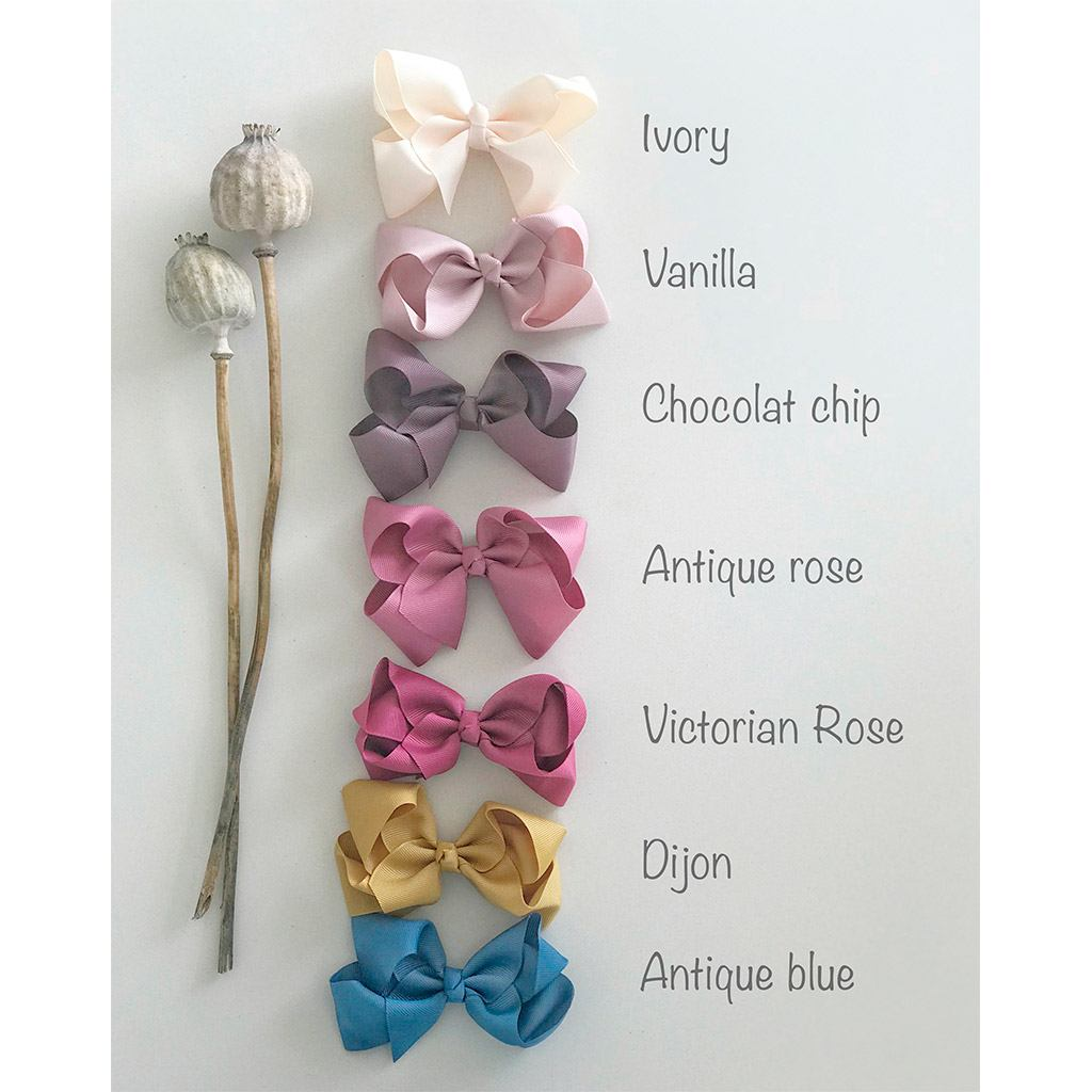 Bows from Little Olga 10 cm.